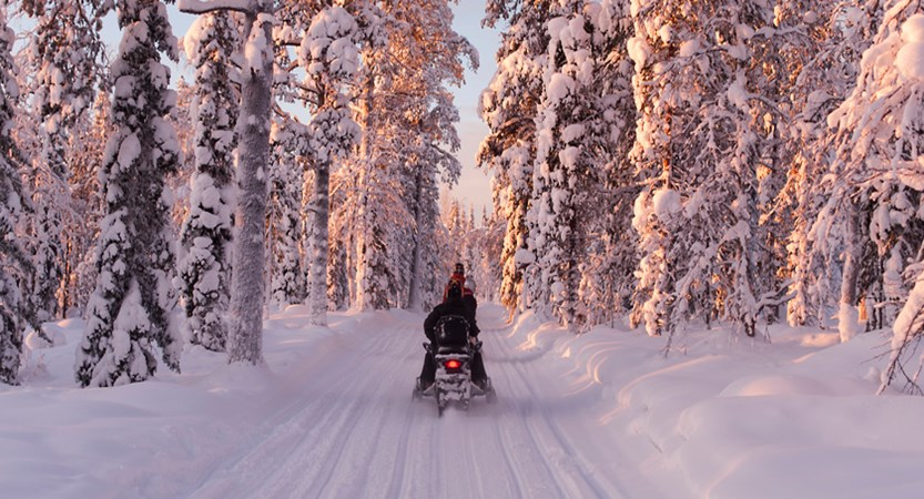 Snowmobiling (1)