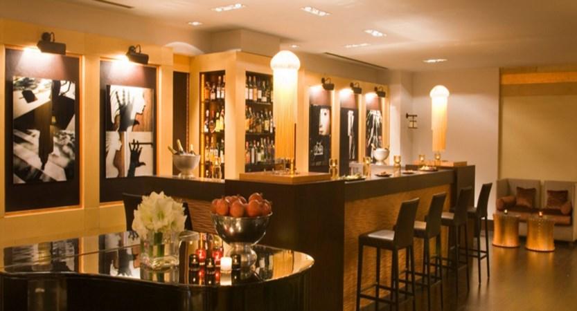 Starhotels Metropole Bar.jpg