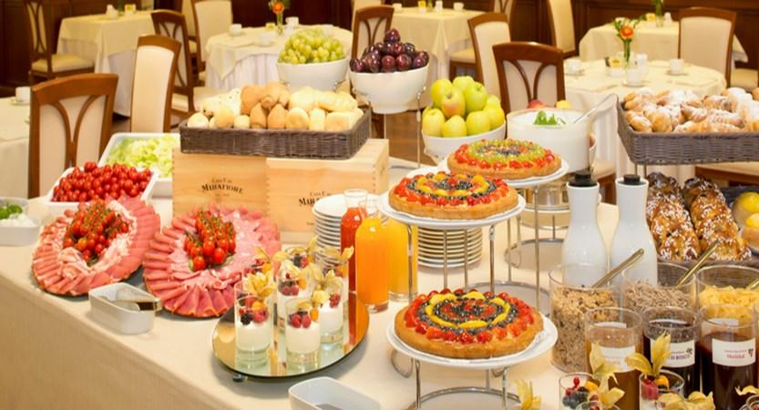 Starhotels Majestic_Breakfast.jpg