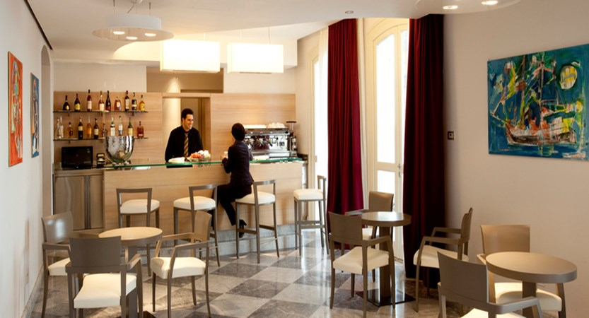 Grand Hotel Alassio Bar.jpg