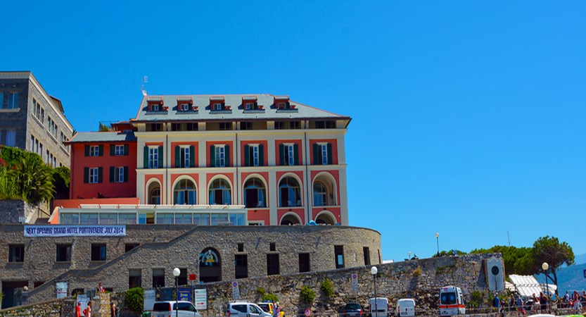 Grand Hotel Portovenere exterior.jpg
