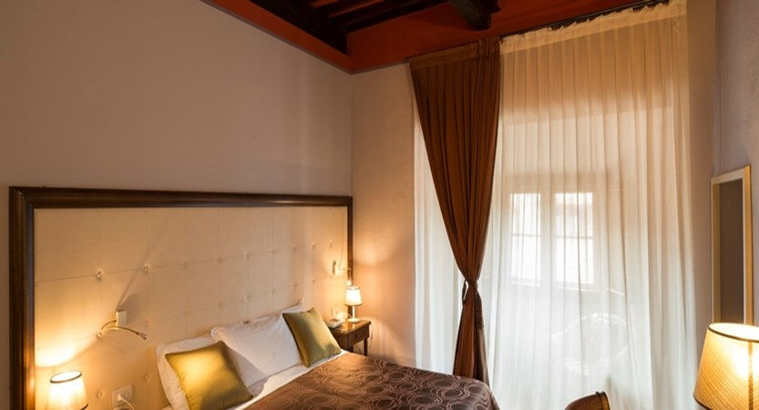 Leon Bianco Bedroom.jpg