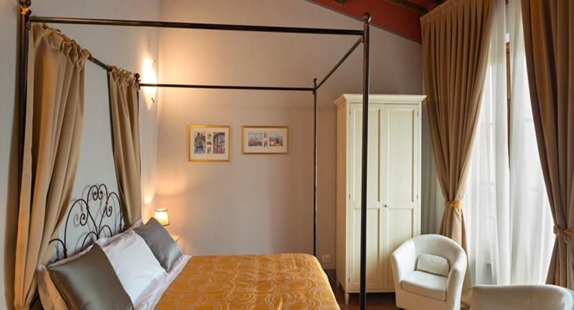 Leon Bianco Room.jpg