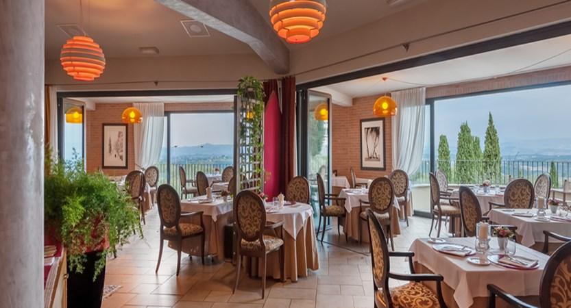 Lampolla restaurant.jpg