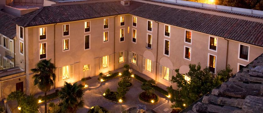 Donna Camilla Savelli Hotel external view.JPG