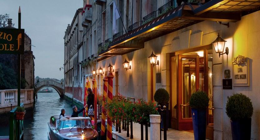 1_Baglioni_Hotel_Luna_Exterior.jpg