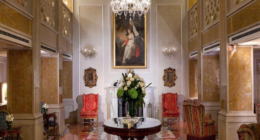 2_Baglioni_Hotel_Luna_Lobby.jpg