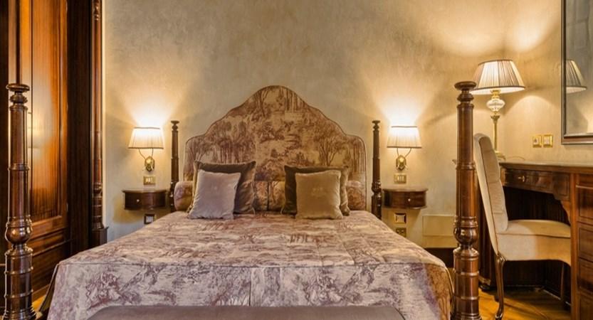 Hotel Baglioni Florence Deluxe room.jpg