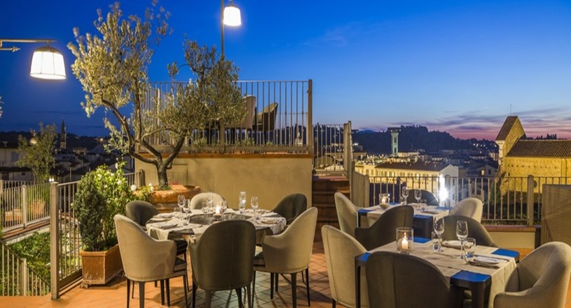 Hotel Baglioni Florence Roof top bar.jpg