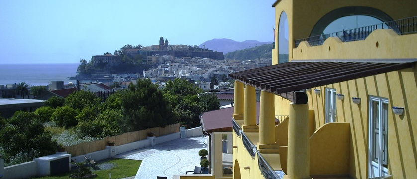 foto 1 vista mare e castello.JPG