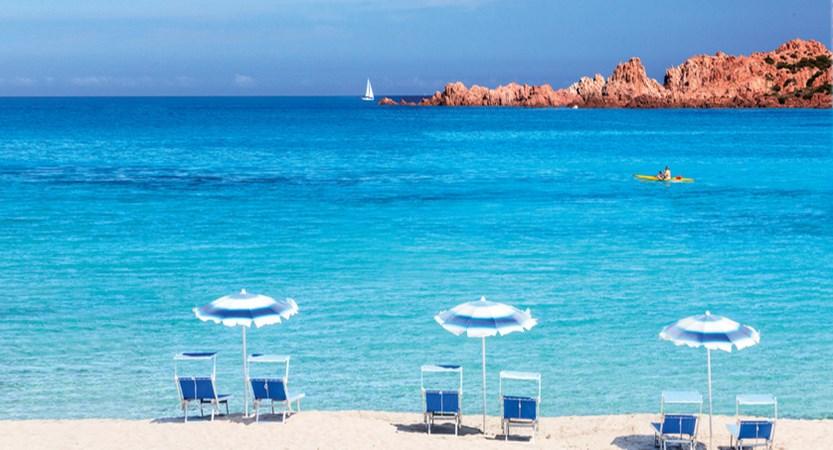 10_Marinedda_spiaggia_3_ombrelloni_2_CMYK (1).jpg