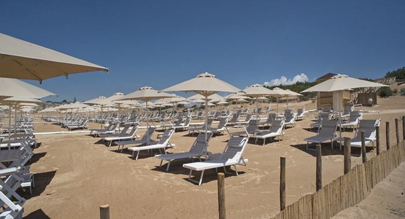 lettini-spiaggia_41484158220_o.jpg