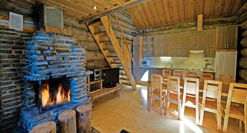 Finland_Lapland_Levi_log_cabins_dining.jpg