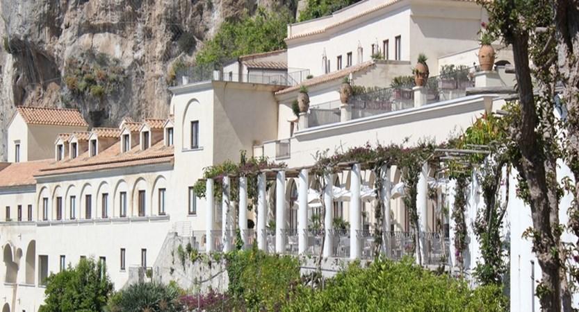Convento di Amalfi exterior.JPG