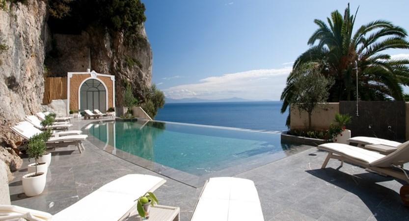 Convento di Amalfi Infinity pools.JPG