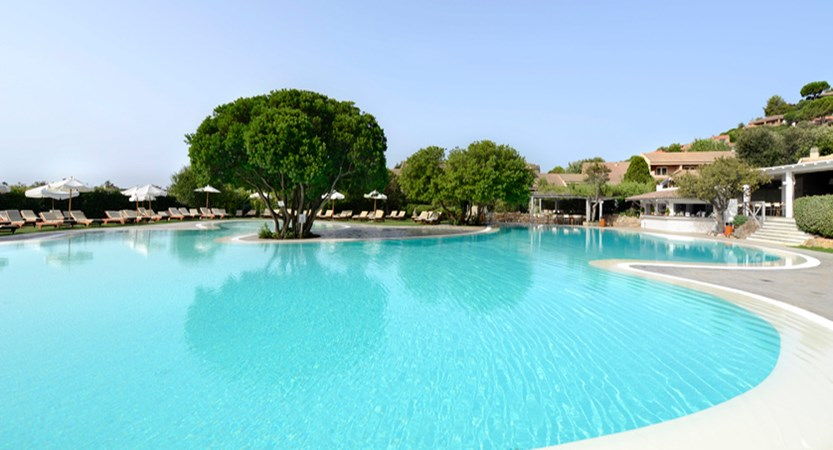 Chia Laguna_VILLAGE_CLUB HOUSE POOL.jpg