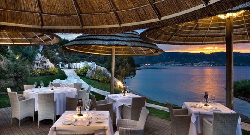ristorante-spiaggia-costa-smeralda.jpg