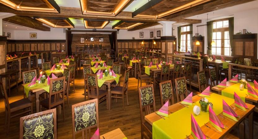 Zur Post Ruhpolding Restaurant.jpg
