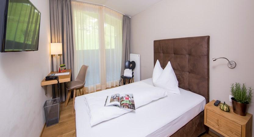 Alpine resort, zell am see, single room