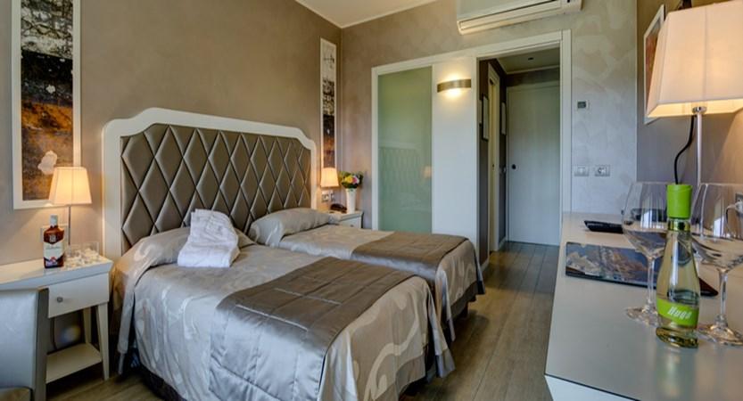 Parc Hotel GRITTI PRIVILEGE CON BALCONE DAV 3 (1).jpg