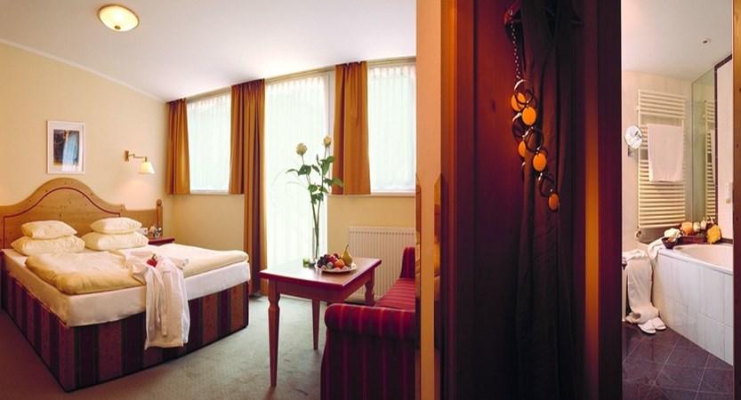Sporthotel Igls Austria double room comfort.jpg