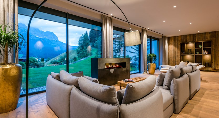 Hotel Der Baer, Ellmau, Austria, Relaxation room with panoramic views.jpg