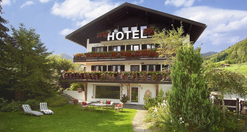 Hotel Alpen Sonne exterior garden (1)