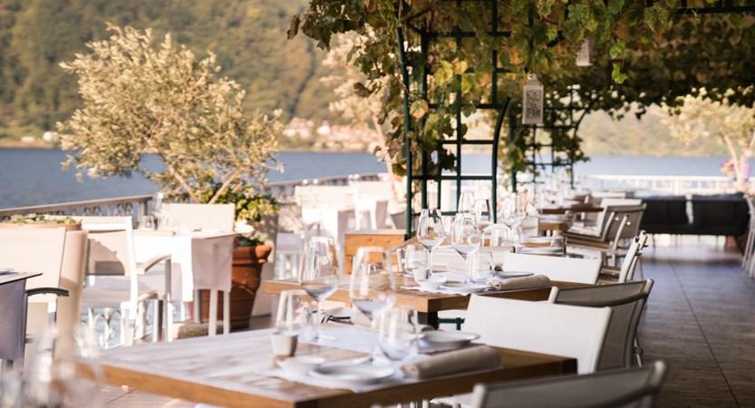 Hotel Giardinetto, Lake Orta, Italy - Terrace dining.jpg