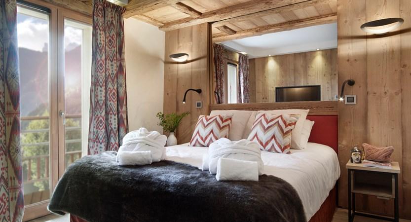 Alexane Apartments Samoens Bedroom (1)