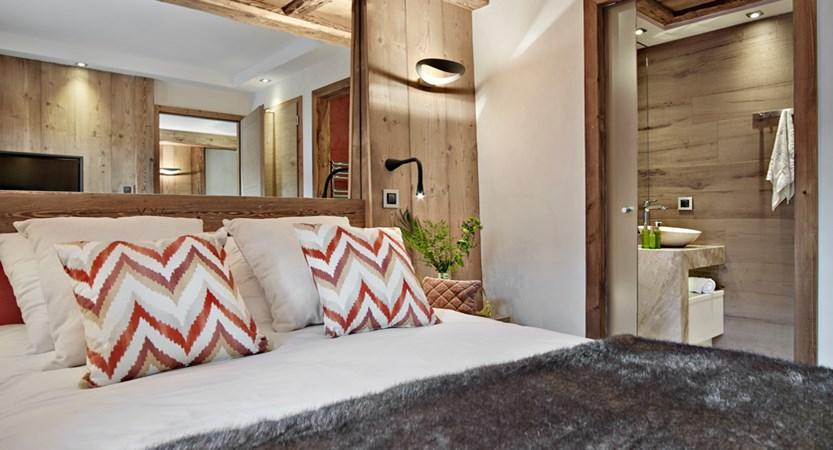 Alexane Apartments Samoens Bedroom (2)
