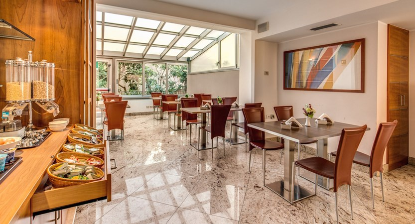 Hotel_lake_como_breakfast3.jpg