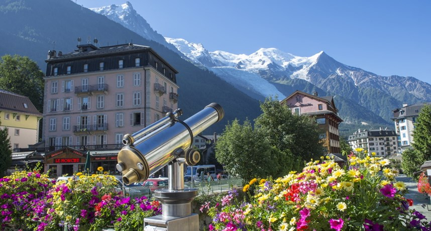 Chamonix centre with views of Mont Blanc
