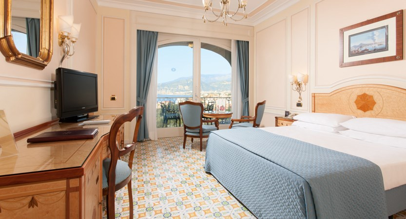 17_Partial sea view room with balcony.jpg