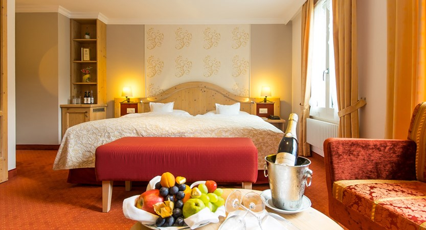 Romantik Hotel Schweizerhof, Grindelwald, Bernese Oberland, Switzerland Comfort and Superior Twin VIP_web.jpg