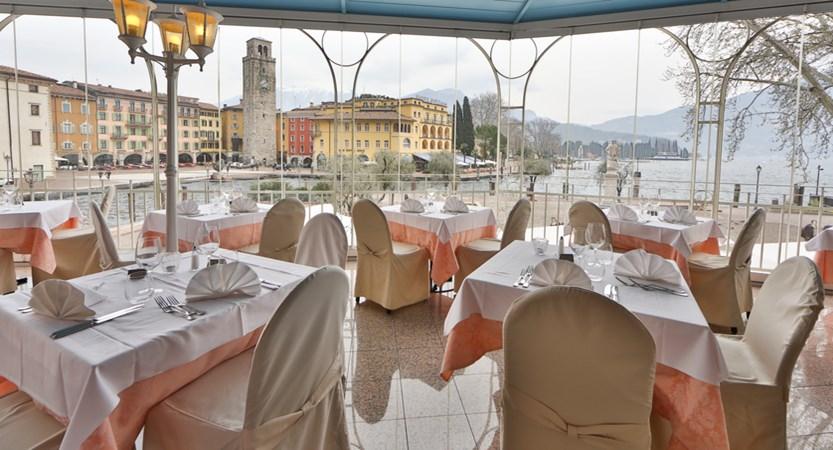 Hotel-Europa-Riva-Restaurant-terrace.JPG