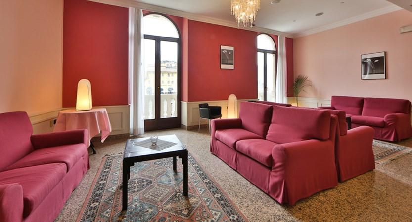 Hotel-Europa-Riva-Lounge.jpg