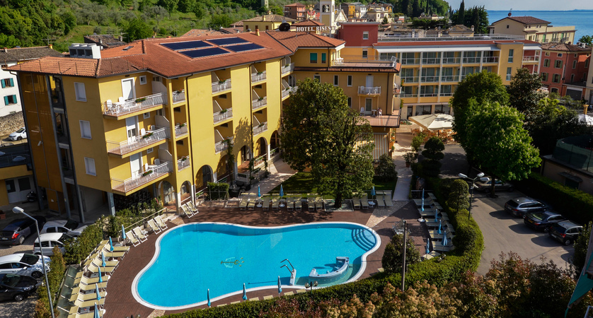 Hotel-Bisesti-Garda-aerial-view.jpg