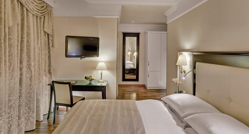Hotel Suisse Majestic, Montreux, Switzerland - Comfort room.jpg (1)