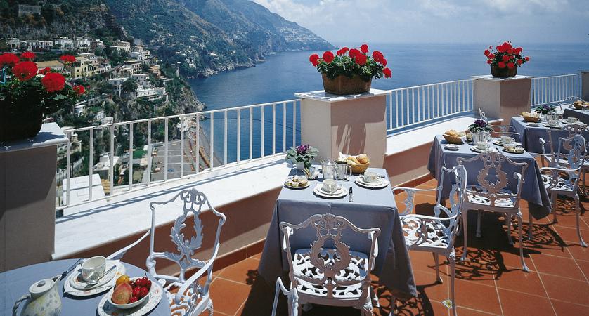 Casa Albertina breakfast terrace.jpg