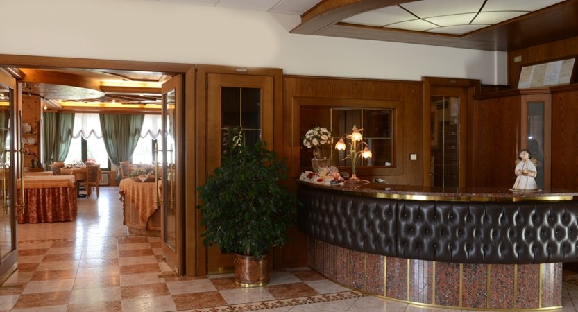 Hotel-Ariston-Levico-Reception.JPG