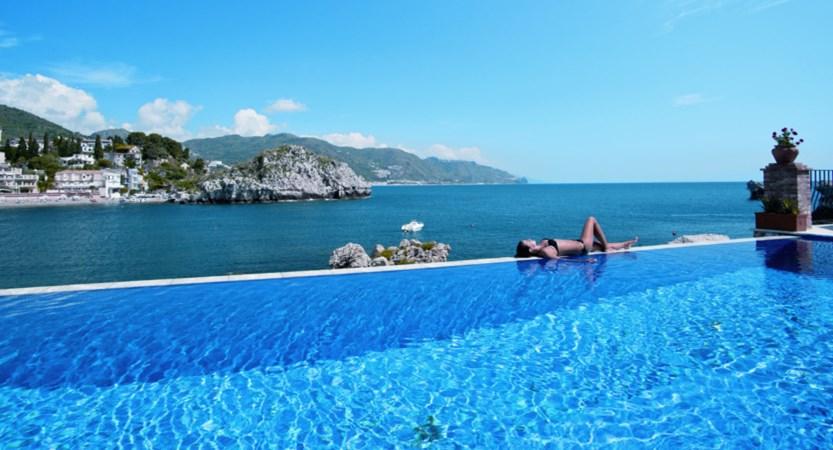 Villa Sant'Andrea Infinity pool.jpg