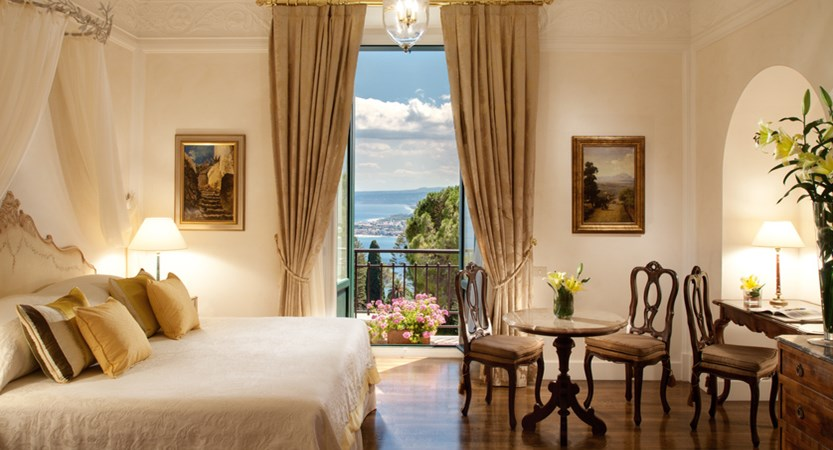 A Junior Suite Superior with Sea view and balcony.jpg