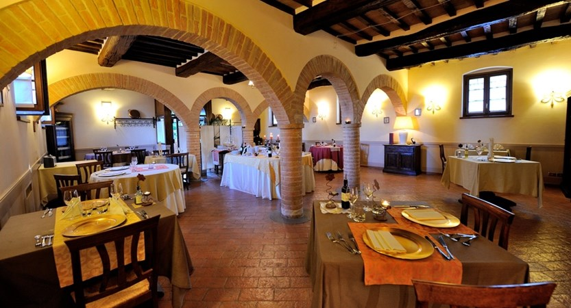 Restaurant (2).JPG