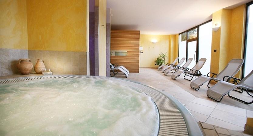 Hotel-Capri-Malcesine-Whirlpool.jpg