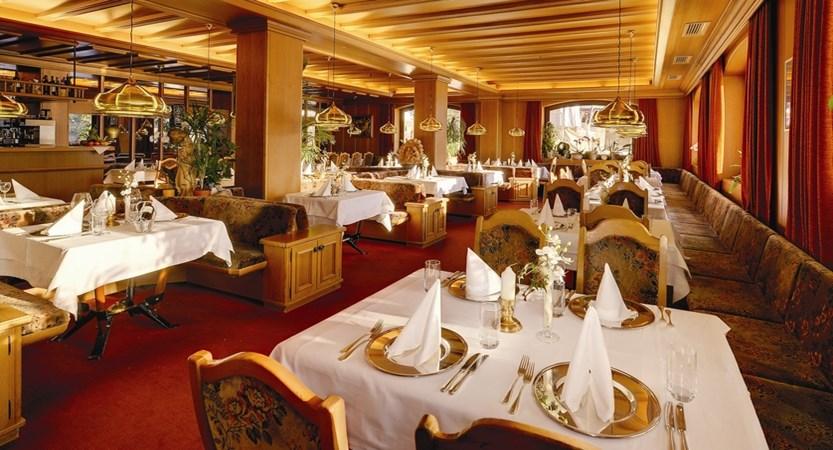 Hotel-Alaska-Restaurant.jpeg