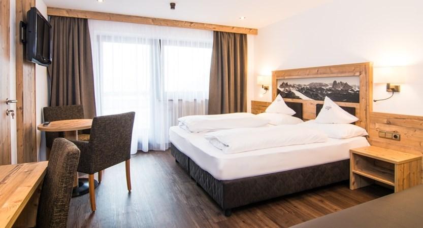 Hotel-Alaska-Bedroom2.jpg