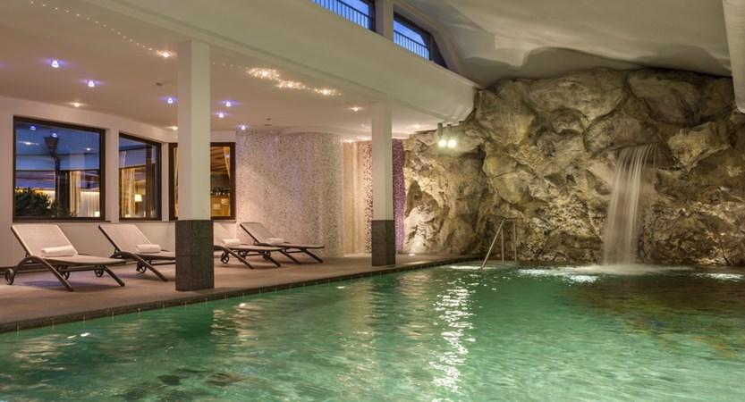 hotel-antares-pool.jpg