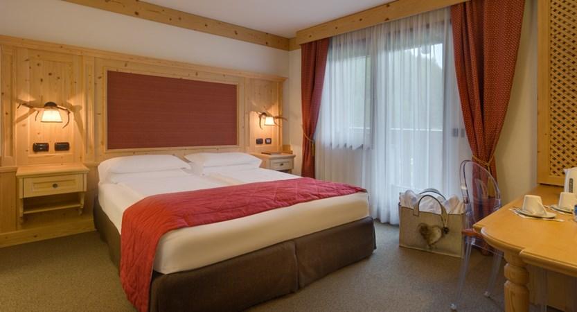 hotel-antares-superior1.jpg