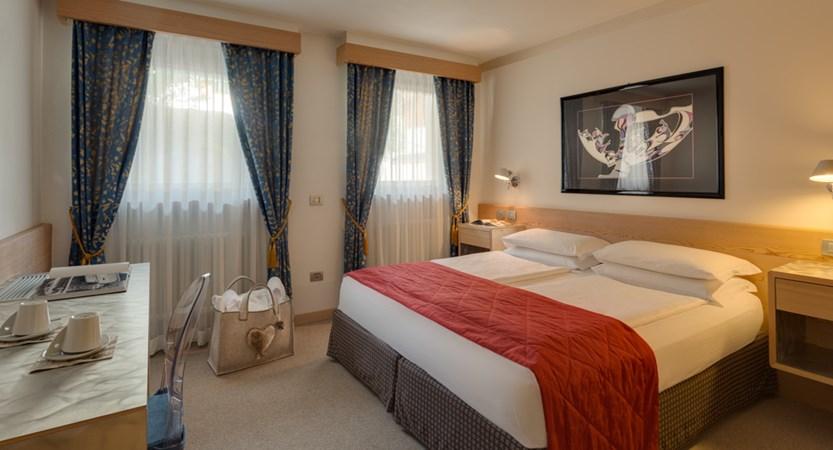 hotel-antares-superior2.jpg