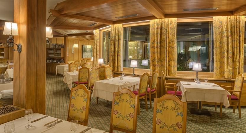hotel-antares-dining-room.jpg